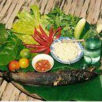 Dân dã với cá lóc nướng trui Cà Mau